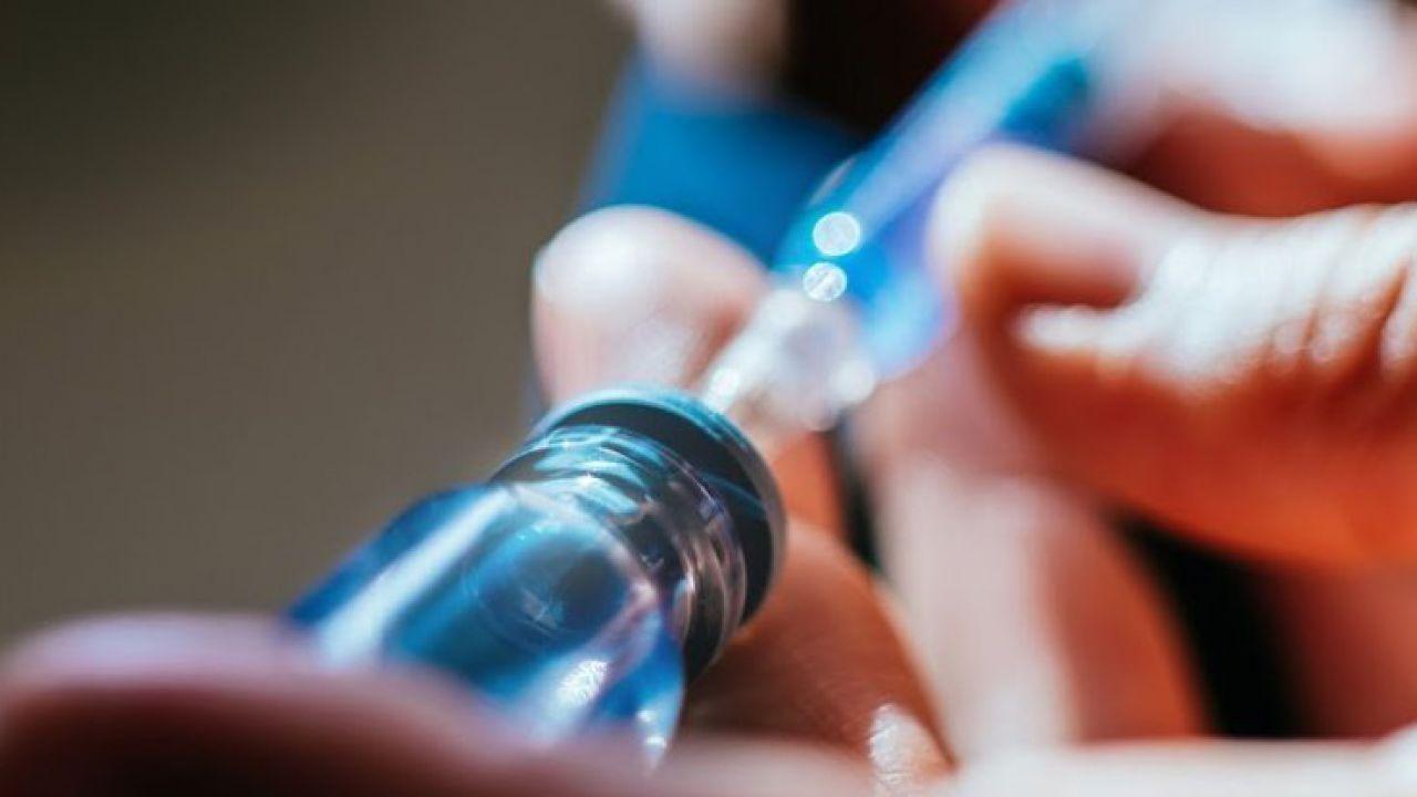 """Coronavirus, l'infettivologo Galli: """"Si investa in ricerca. Cure e vaccini ancora lontani"""""""