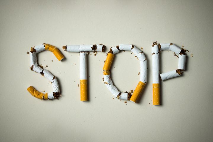 Smettere di fumare anche solo 4 settimane prima di un intervento chirurgico, riduce del 19% il rischio di complicanze post operatorie