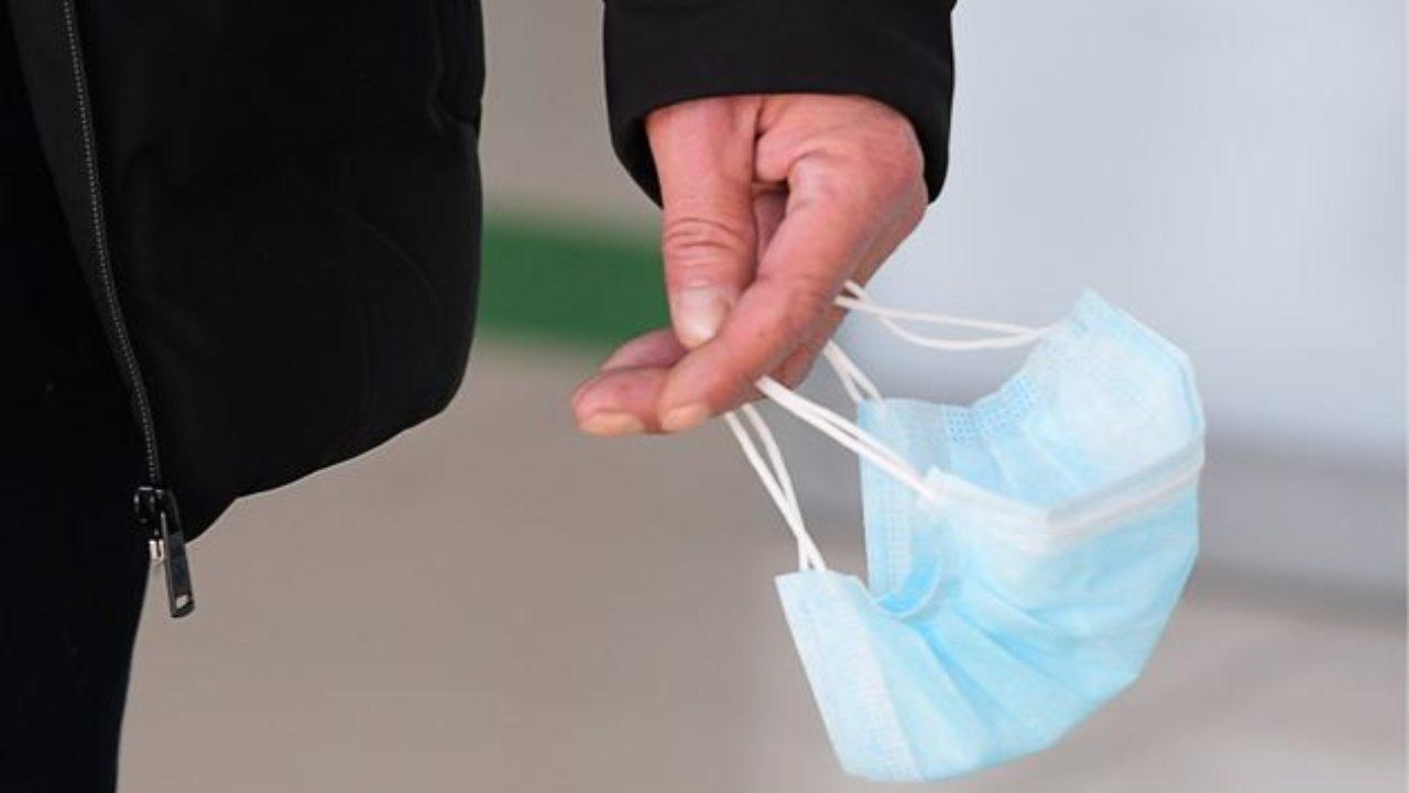Panico da Coronavirus: è boom in farmacia di mascherine e detergenti per le mani. Che cosa consigliare ai cittadini?