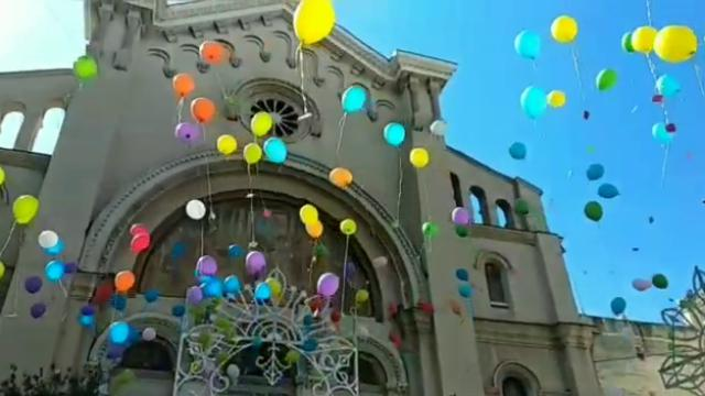 """Bari, palloncini biodegradabili in volo per San Giuseppe: """"Insegniamo l'ecologia ai bambini"""""""