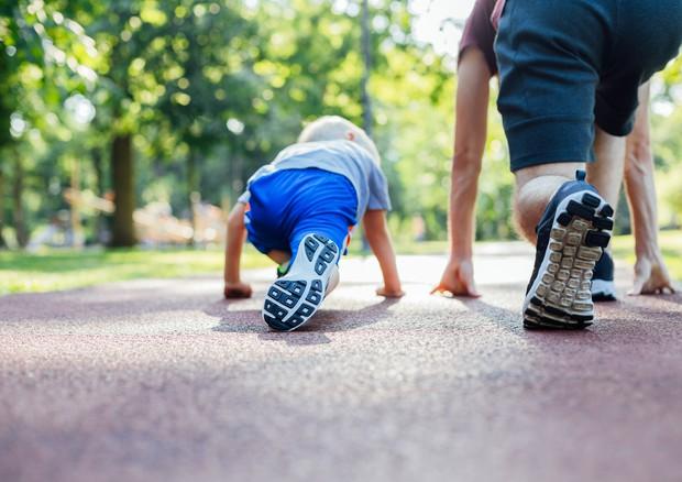 Dai bambini agli anziani, l'attività fisica va aumentata