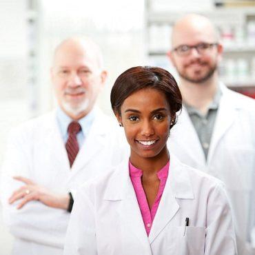 Rapporto Ocse: Italia al terzo posto per numero di farmacisti, all'11° per farmacie